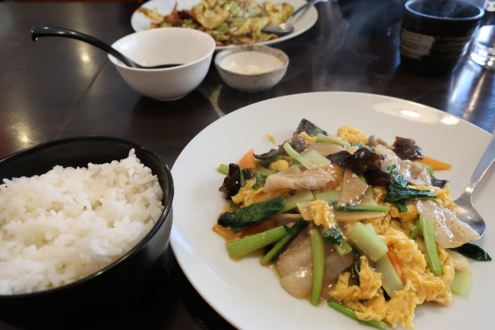 あQ ランチ 夕食 担々麺