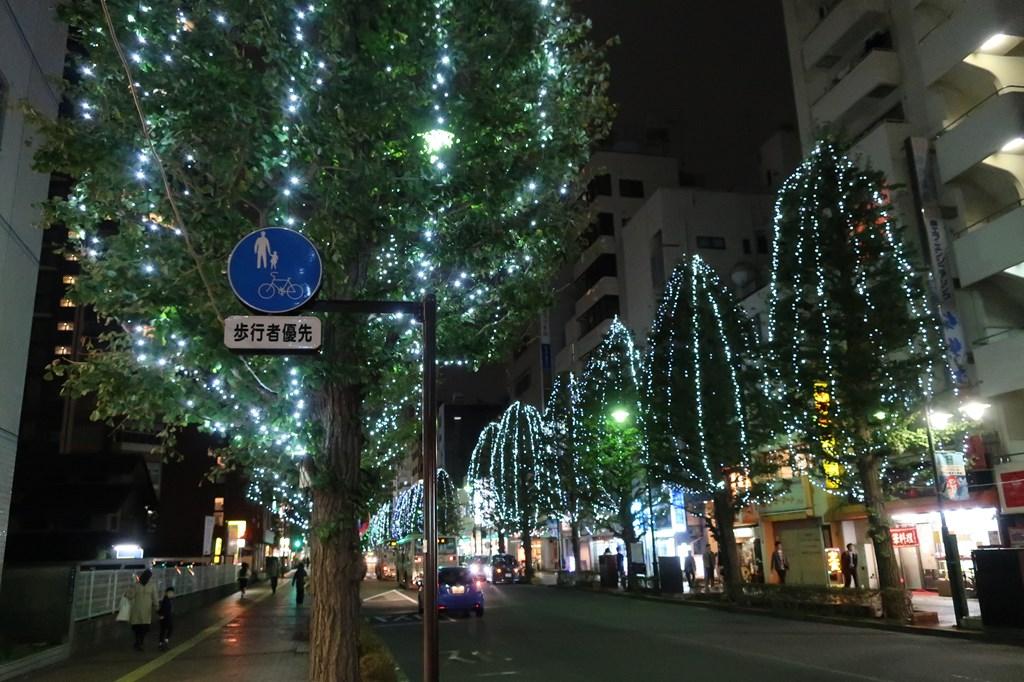 三鷹駅北口 イルミネーション