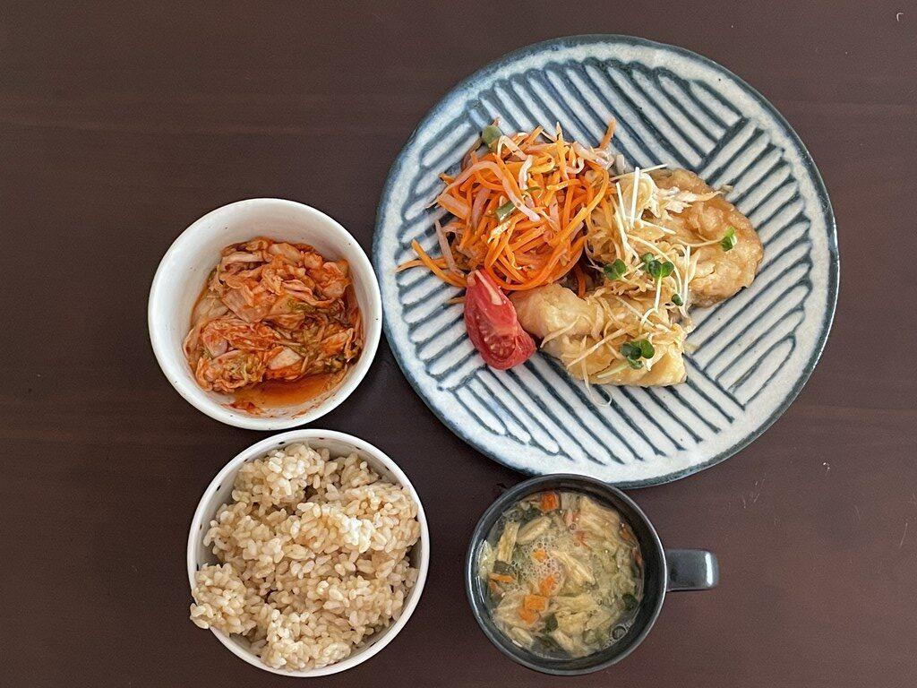 ユーカリ食堂  テイクアウト 弁当 惣菜 ランチ 夕食 イートイン 三鷹