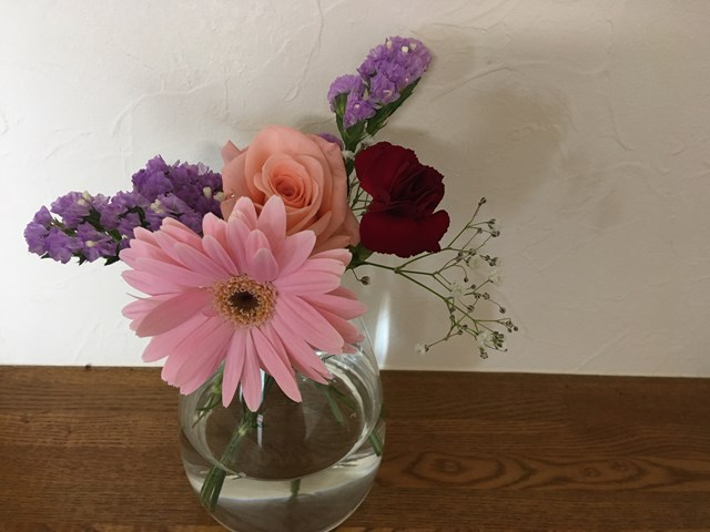 ブルーミー ブルーミーライフ 口コミ がっかり 解約 枯れている お花の定期便 サブスクリプション 宅配