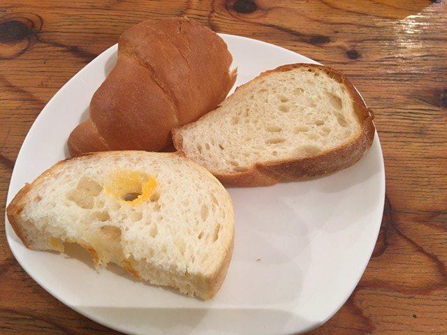 ベーカリーカフェデリス 三鷹 食べ放題 カフェ パン屋 イートインスペース