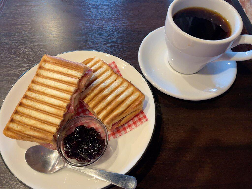 ニンカフェ 三鷹 サイフォンコーヒー プリン ディカフェ コーヒー 一人カフェ エルビスサンド 東京 武蔵野市
